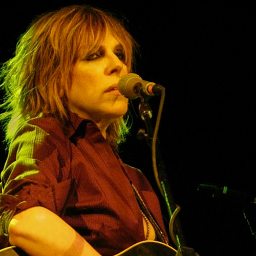 people_0013_440px-Lucinda_Williams_&_guitar.png